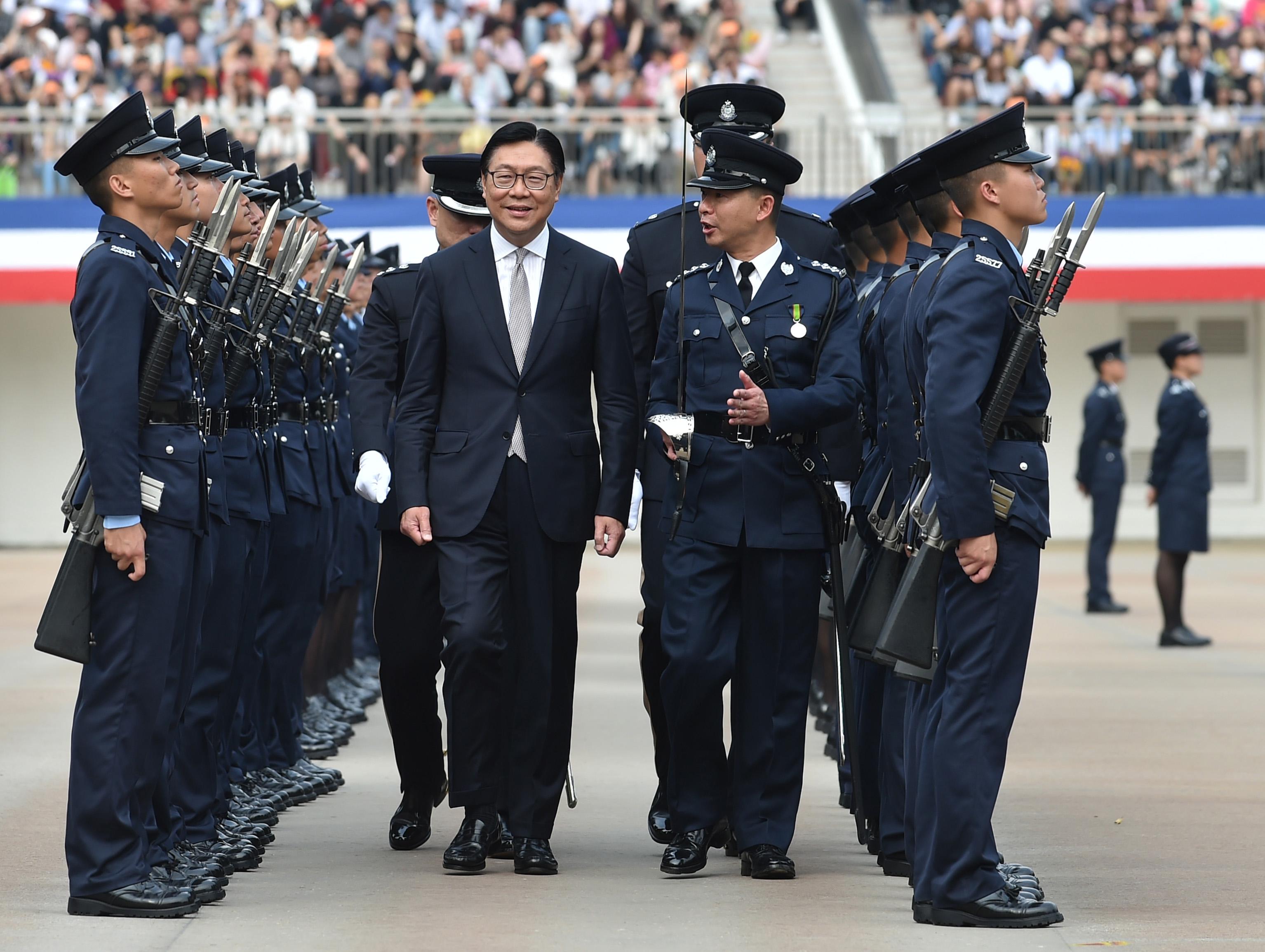 馬時亨出席香港警察學院舉行的結業會操。
