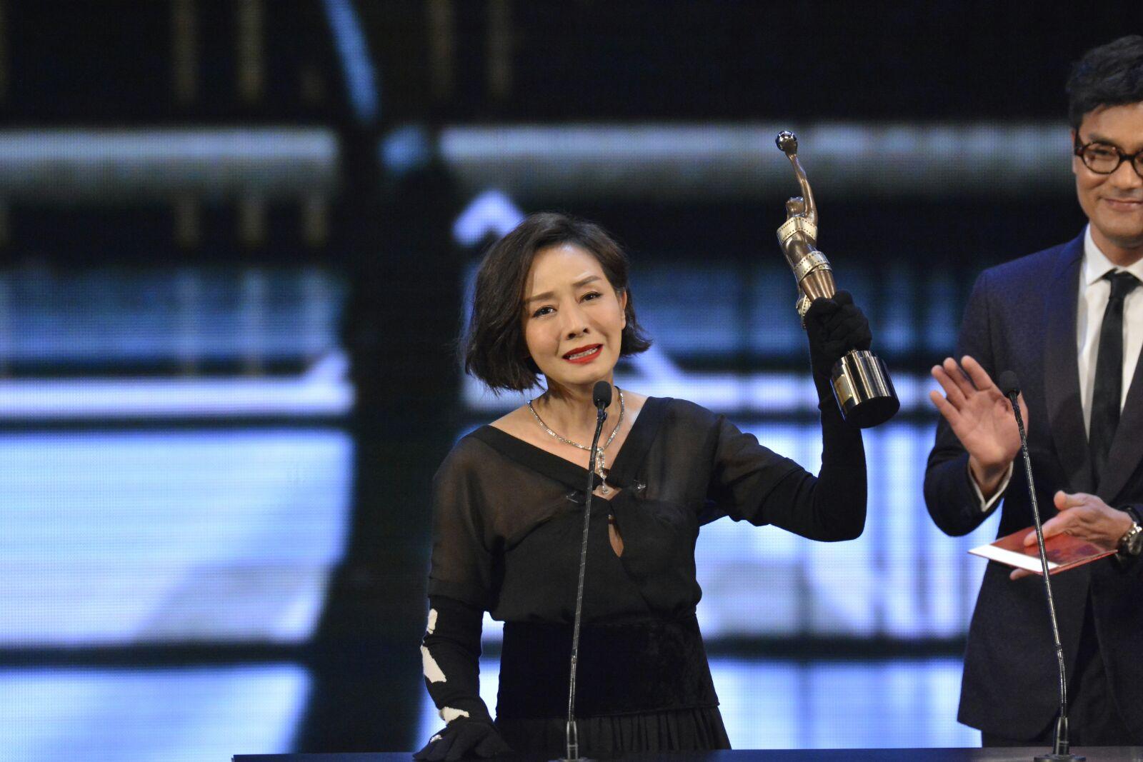 毛舜筠首奪金像奬「最佳女主角」。