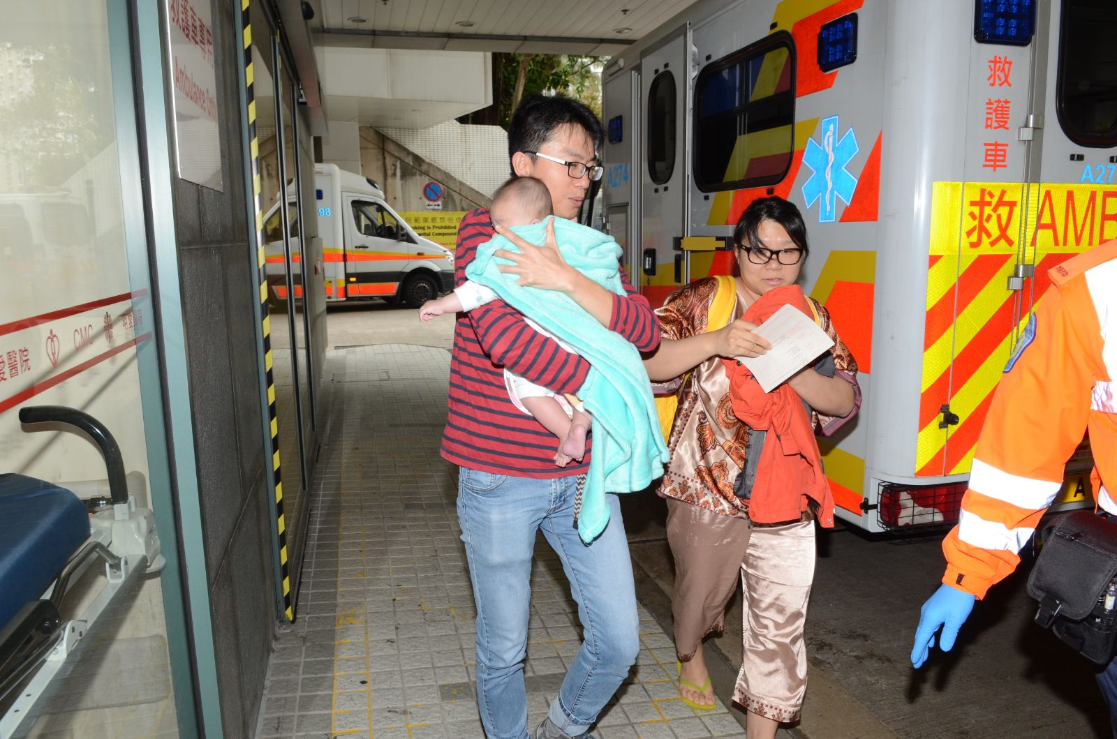 5月大嬰兒疑吸入濃煙不適送院。