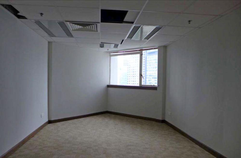 翻新前的政府辦公室。