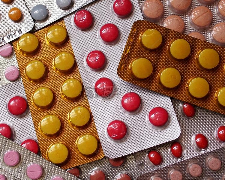 李培指,80%的感冒藥當中都含有「乙醯氨基酚」的成份。網圖