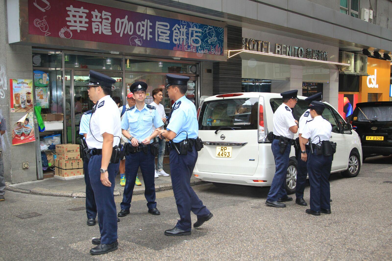 警員到場維持秩序。