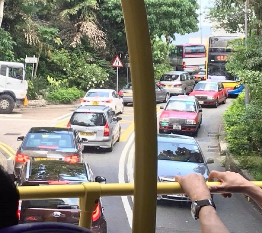 南區交通擠塞。網民Wallace Chan圖片