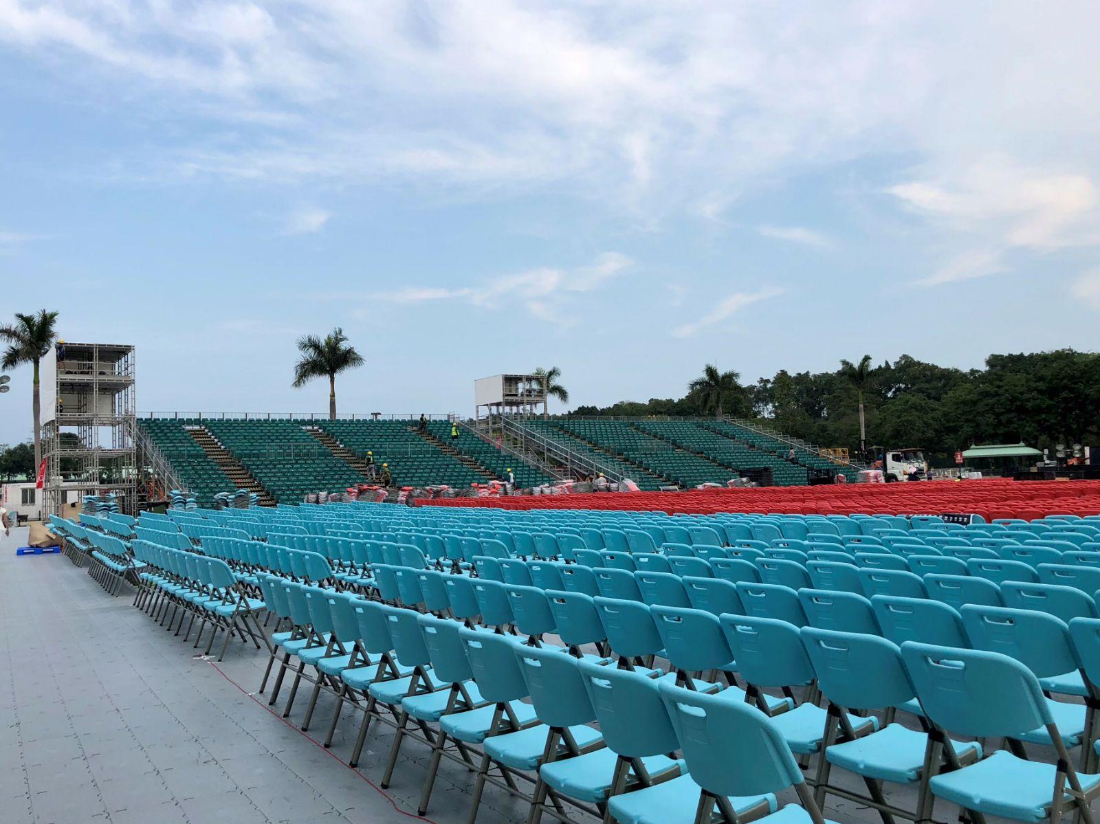 主辦單位近日已如火如荼為演唱會做好準備。
