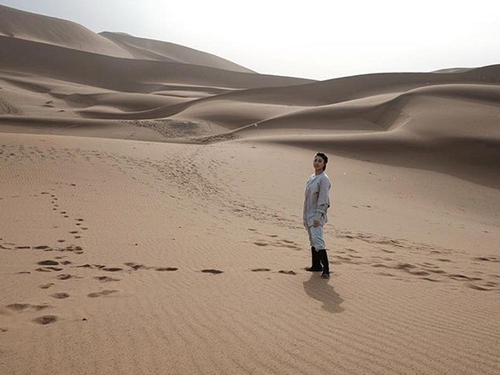 今次是定欣第一次嚟到沙漠。