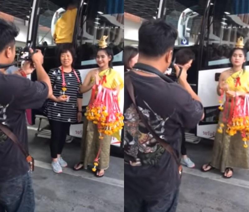 泰國有迎賓小姐被拍到在機場接待中國旅行團時,對遊客秒速「變臉」,不時露出厭惡表情。