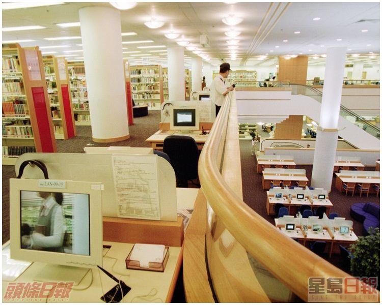 初啟用時的中央圖書館。資料圖片