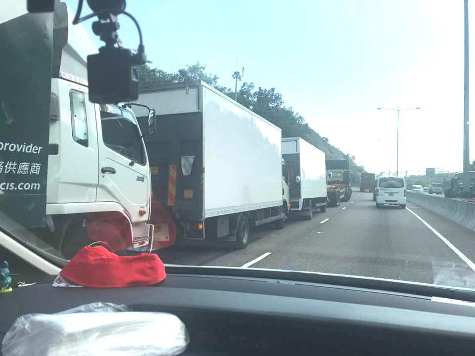 屯門公路車禍。網民Rainbow Lam 圖片