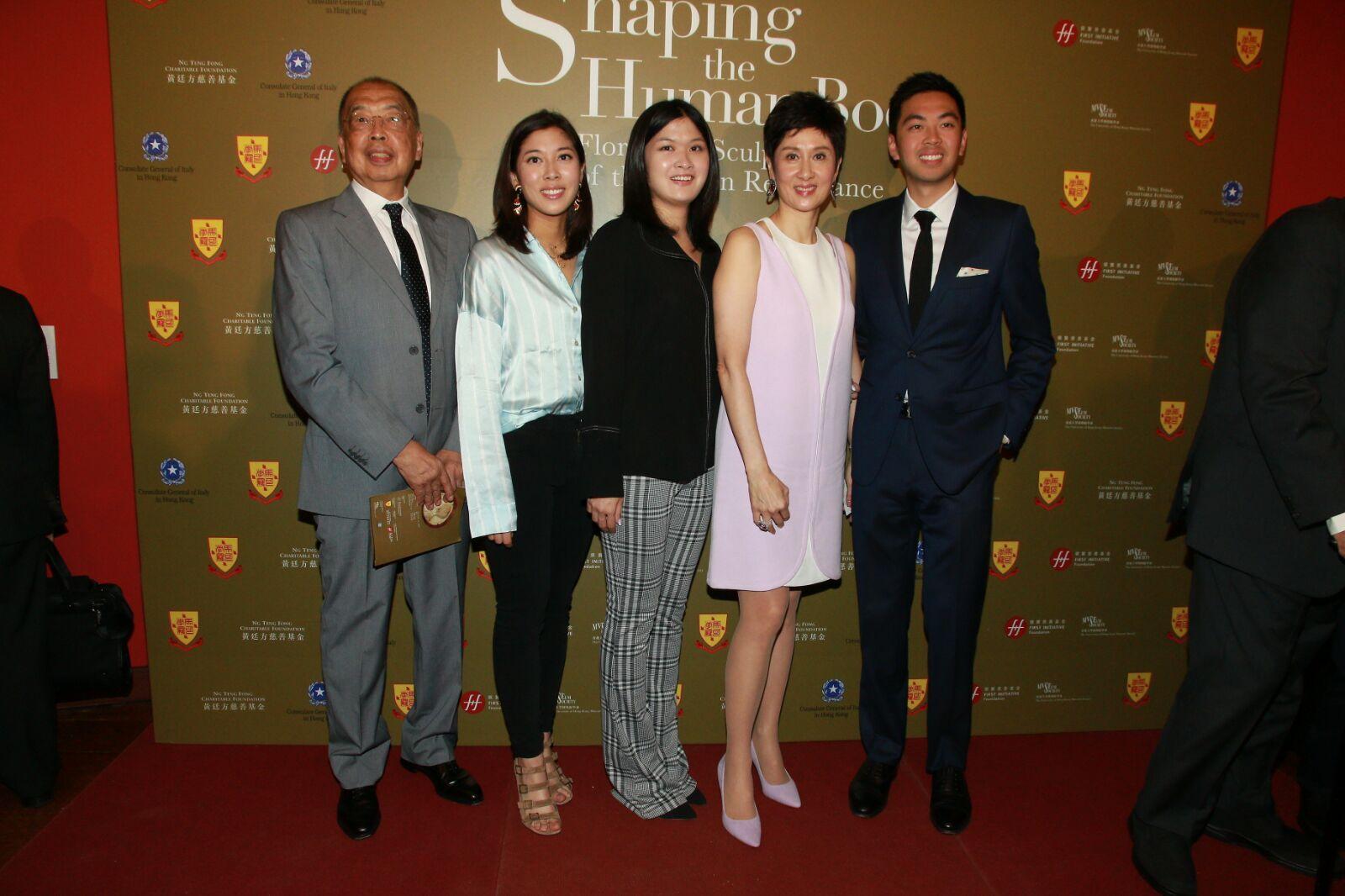 張王幼倫(右二)表示展覽籌備了幾個月,慶幸得各方面協助。