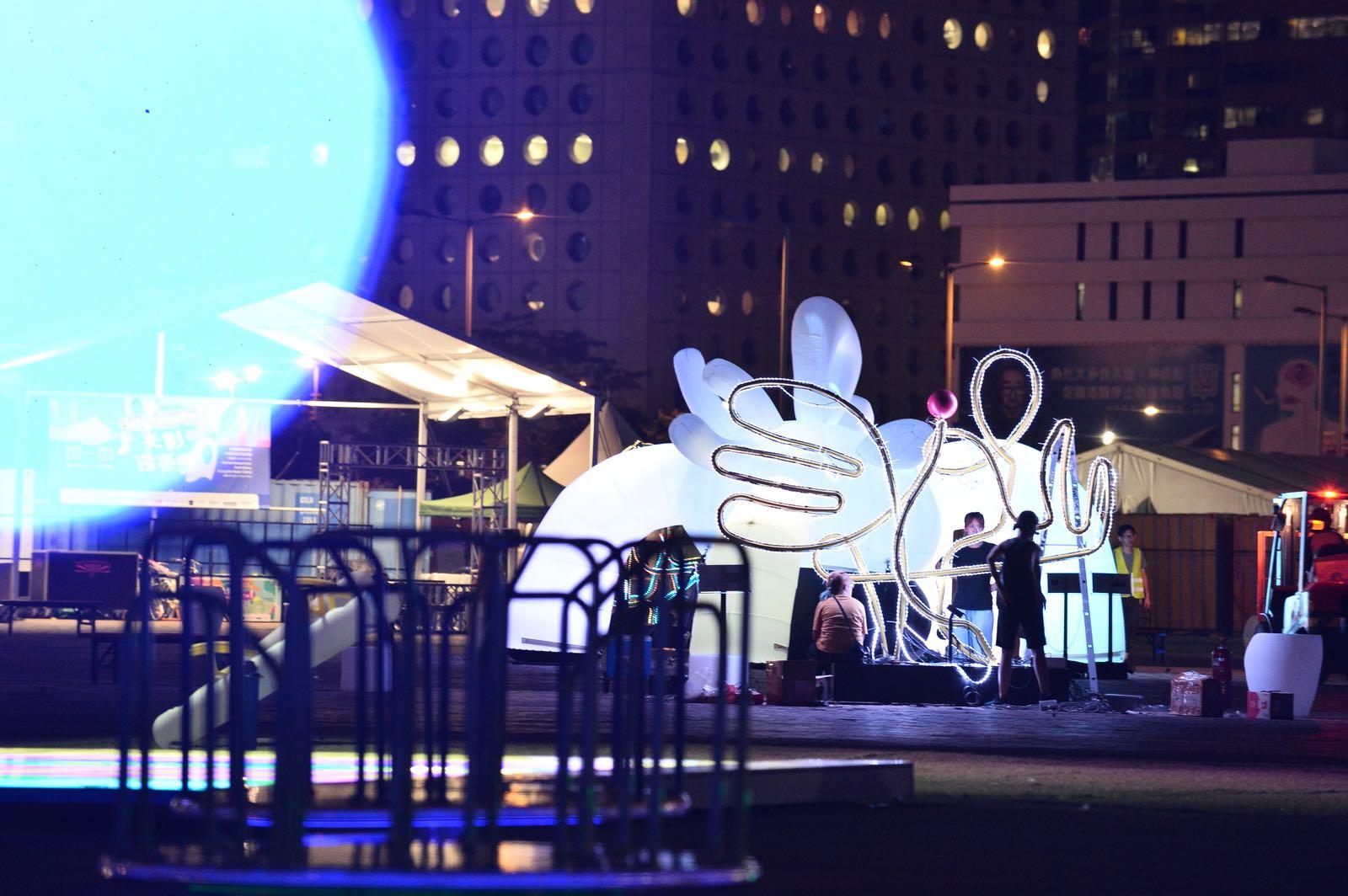 《光影遊樂園》本周五起在中環海濱活動空間舉行