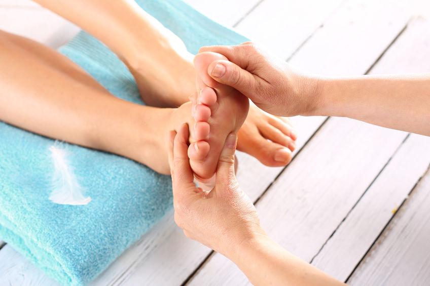 腳趾、小腿等部位出現劇烈肌肉抽搐,反映身體缺乏鎂、鈣還有鉀。