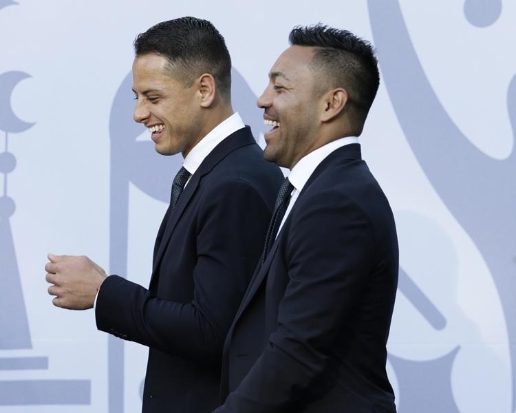 Marco Fabian(右)被指參與派對。AP