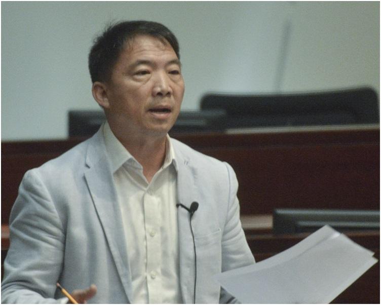 胡志偉擔心,一地兩檢會引起司法覆核的挑戰。