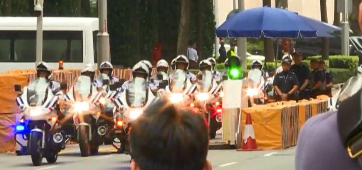 特朗普車隊抵達聖淘沙嘉佩樂酒店。