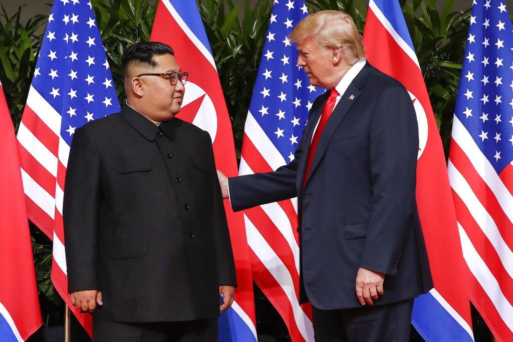 特朗普與金正恩會晤。AP