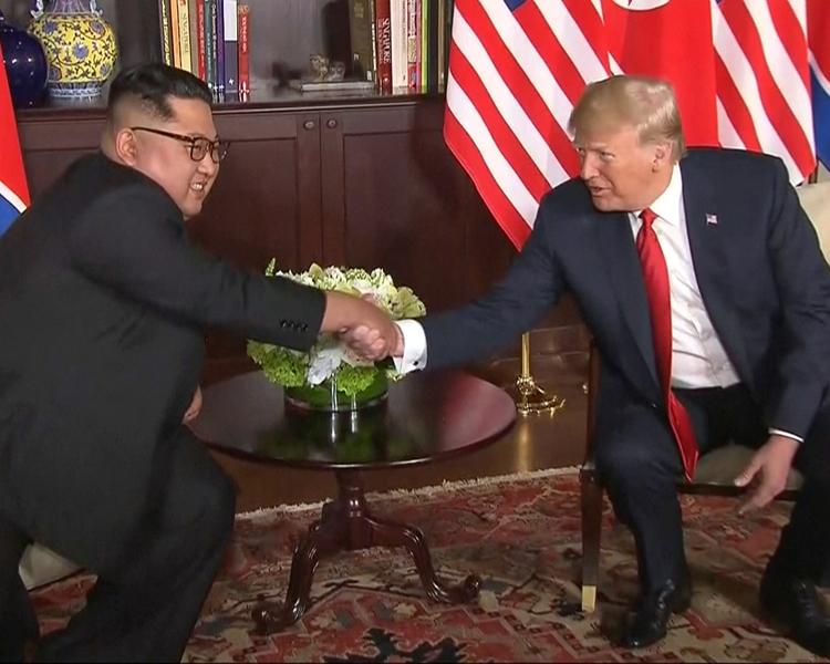 韓聯社報道指兩人在峰會結束後會參與簽署儀式。AP
