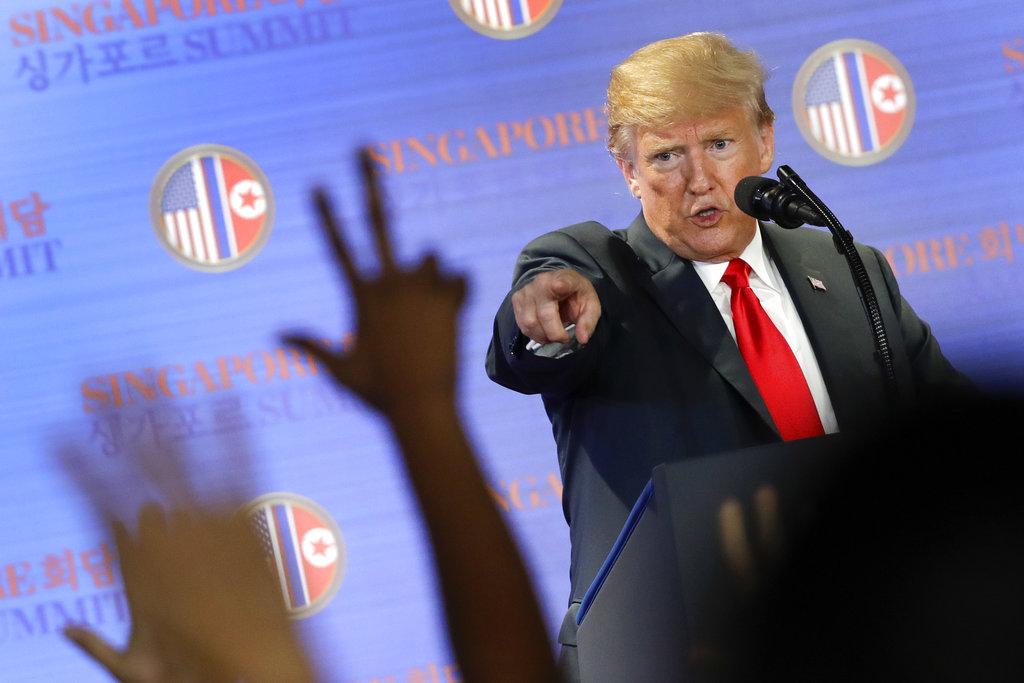 美國總統特朗普在新加坡出席記者會。AP
