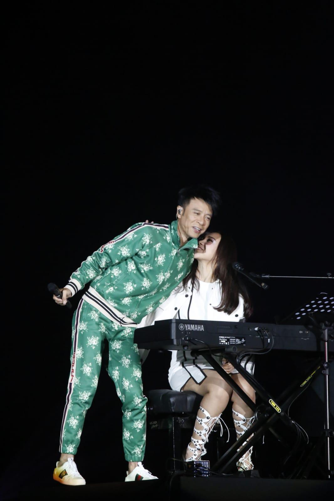 李克勤、周國賢及江海迦(AGA)昨晚一起合作演出「The TRIO 拉闊音樂會」。