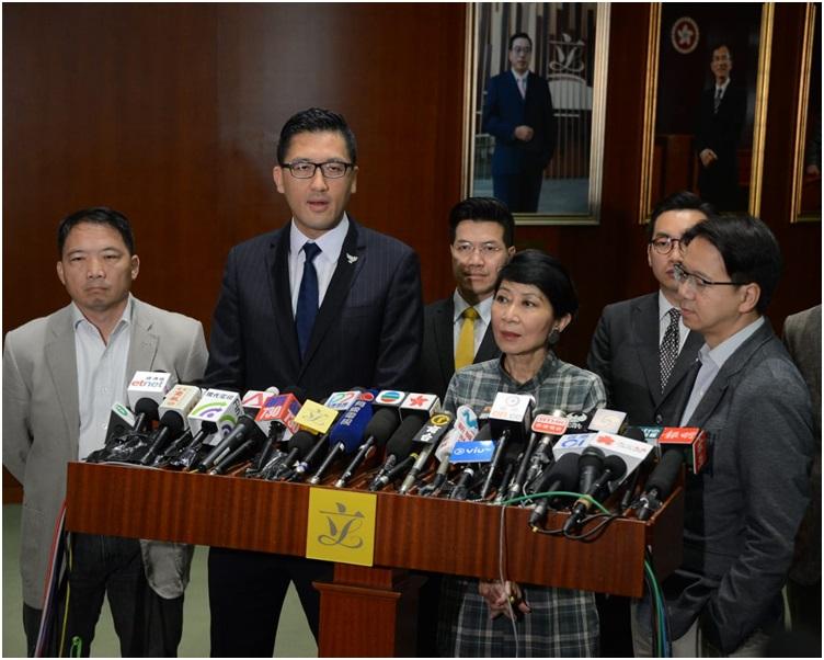 泛民議員齊批評梁君彥限制議員發言是無視議事規則。