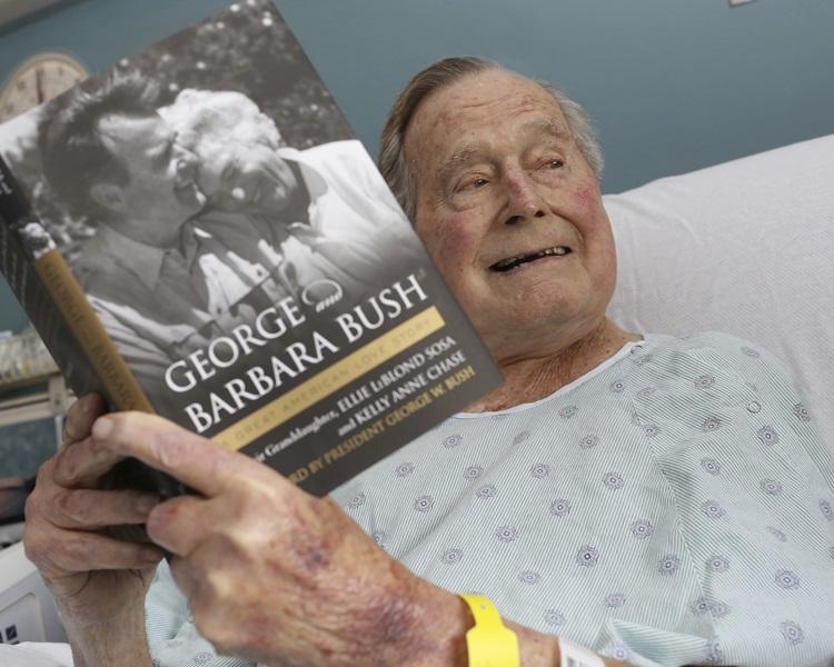 老布殊低調慶祝94歲生日。AP