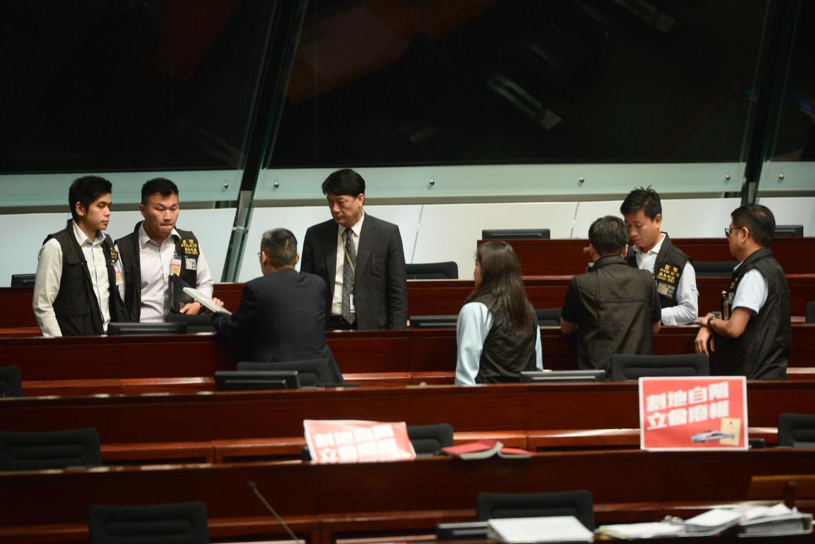 數名警員到場調查。