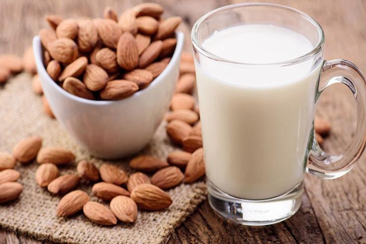 杏仁奶具抗糖化、抗氧化等效果,可預防骨質疏鬆、心血管疾病。網圖