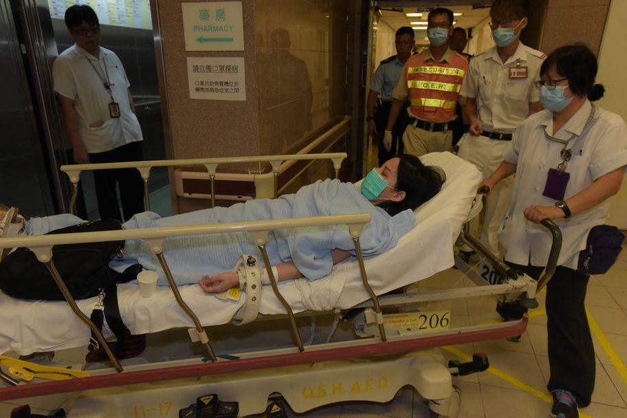 被告李佩琪於去年9月9日向母親淋潑腐液性液體,她被捕後送院。資料圖片