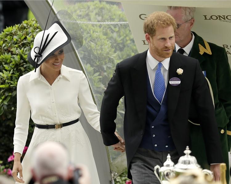 梅根和哈里王子大婚後首度參加皇室的正式社交場合。AP