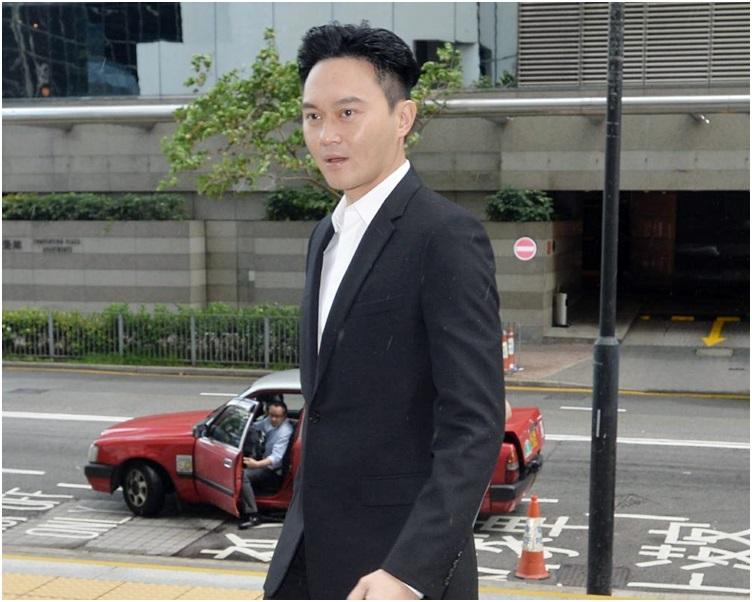 張智霖抵達法院。
