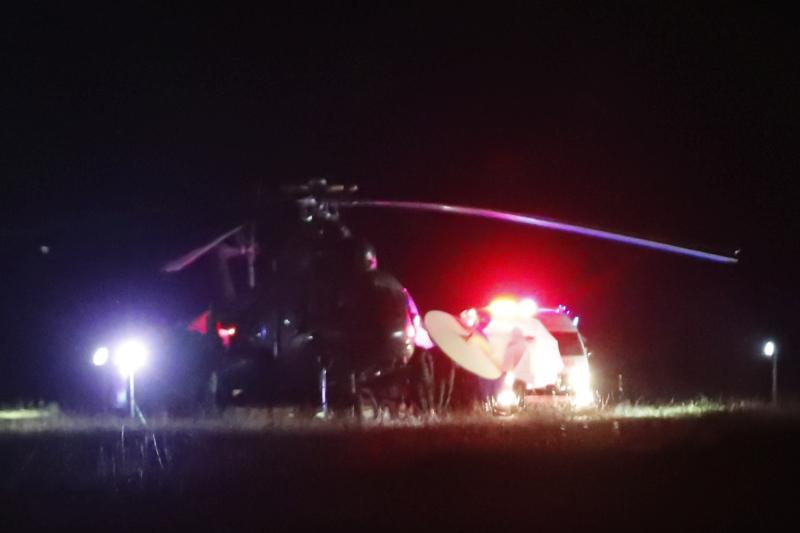 昨日獲救的少年由直升機送院。AP