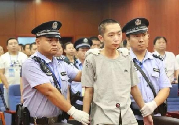 趙澤偉今早一審被判處死刑,剝奪政治權利終身,趙當庭表示上訴。