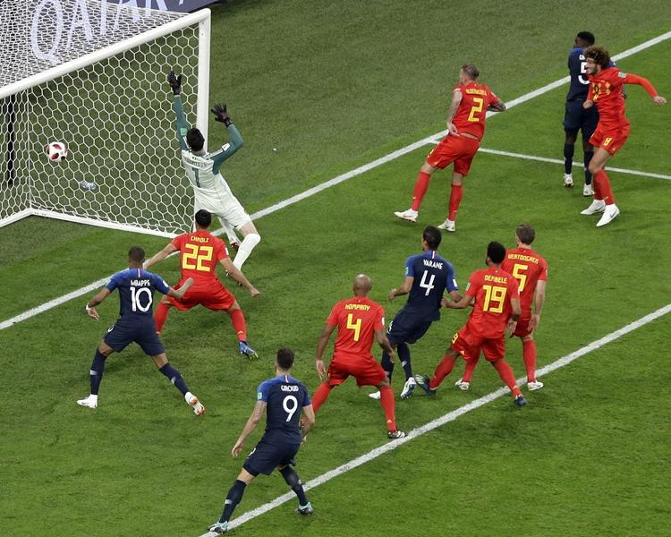 法國前鋒基奧特及比利時箭頭夏薩特均有射門,可惜中框而未能取得入球。AP