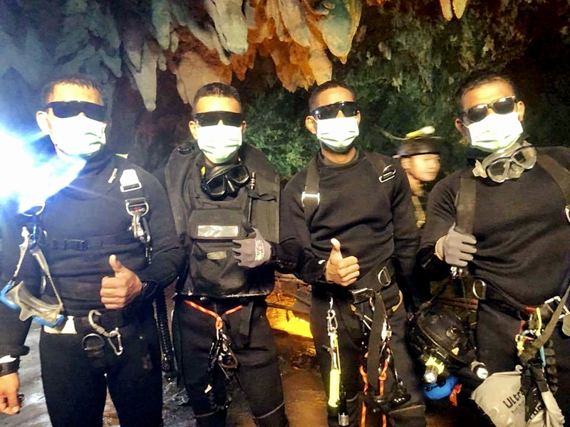 最後離開洞穴的泰國海豹部隊成員。AP