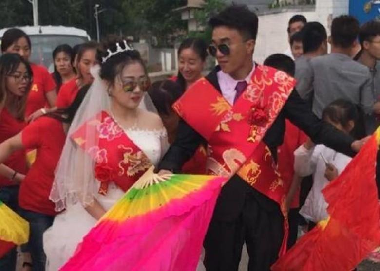 高浩珍與相戀5年、懷孕3個月的女友結婚。(網圖)