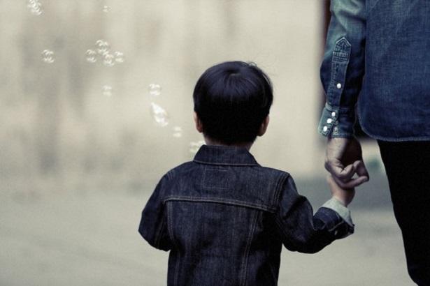 高雄一名男子擔心前妻將1歲仔帶返內地生活,遂強行將孩子搶走私藏兩個月,結果失去監護權。示意圖