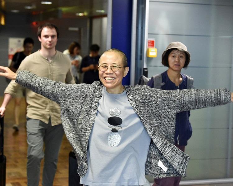 劉霞被軟禁8年後,本月10日搭乘芬蘭航空班機抵達柏林。AP