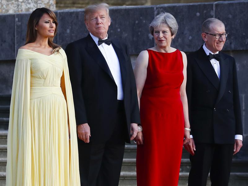 美國總統特朗普英國訪問期間,英國傳媒刊登特朗普批評英國軟脫歐方案的專訪,或令文翠珊尷尬。AP