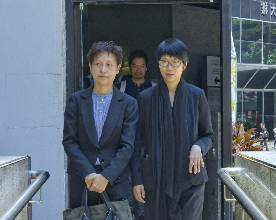 43歲被告梁雅詩(右)。資料圖片