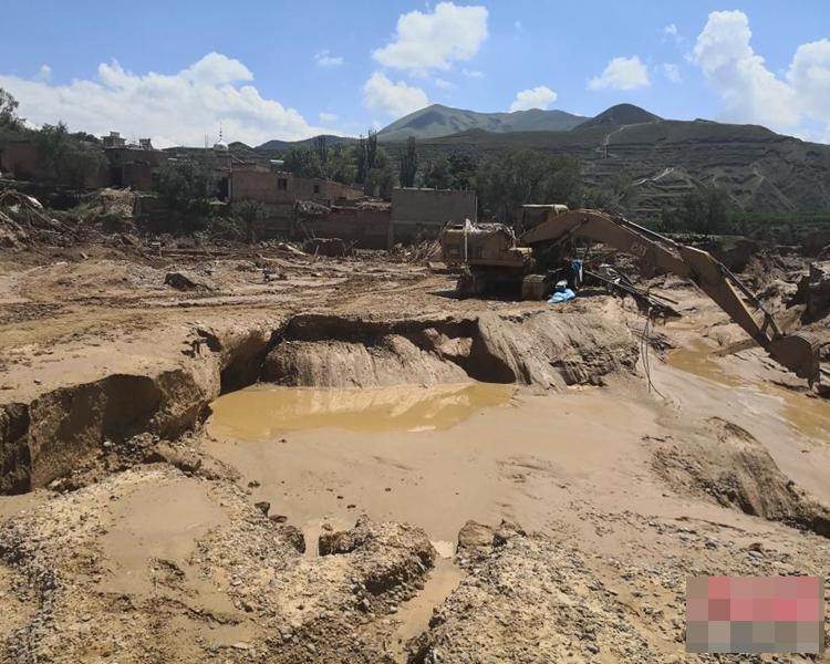 多個鄉鎮不少民宅、道路損毀。網圖