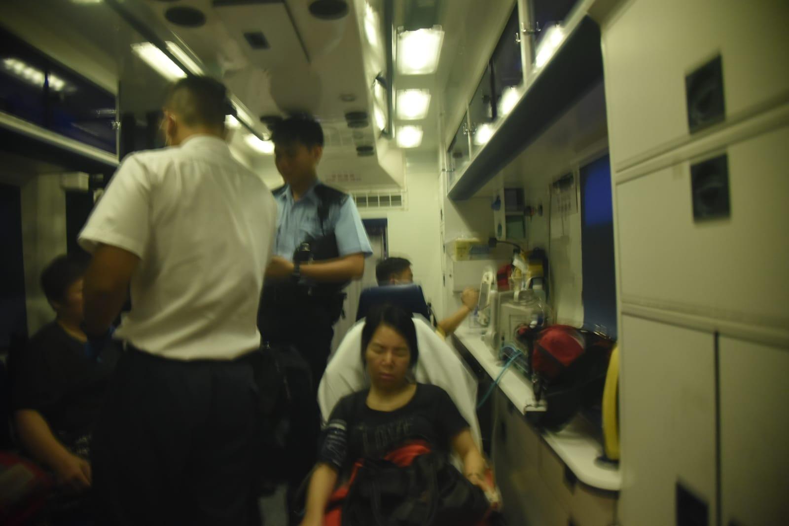 兩名女子遭擊傷。