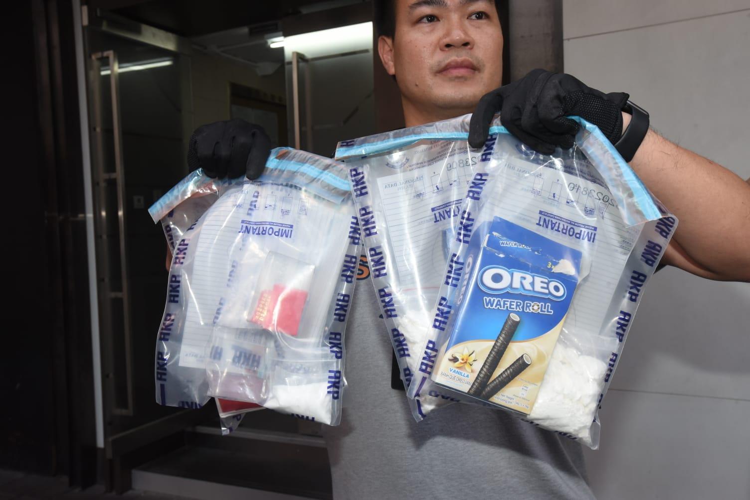 警方檢800萬元可卡因及30萬港元