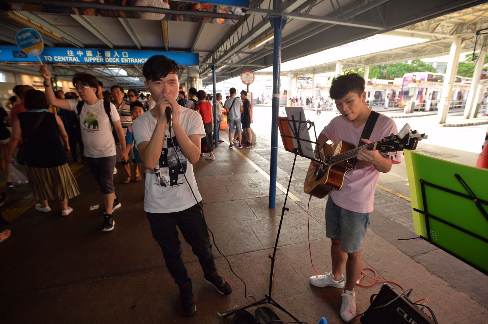 商戶稱,平時周末有年輕表演者玩音樂,若他們太大聲亦較有商有量。黃賢創攝