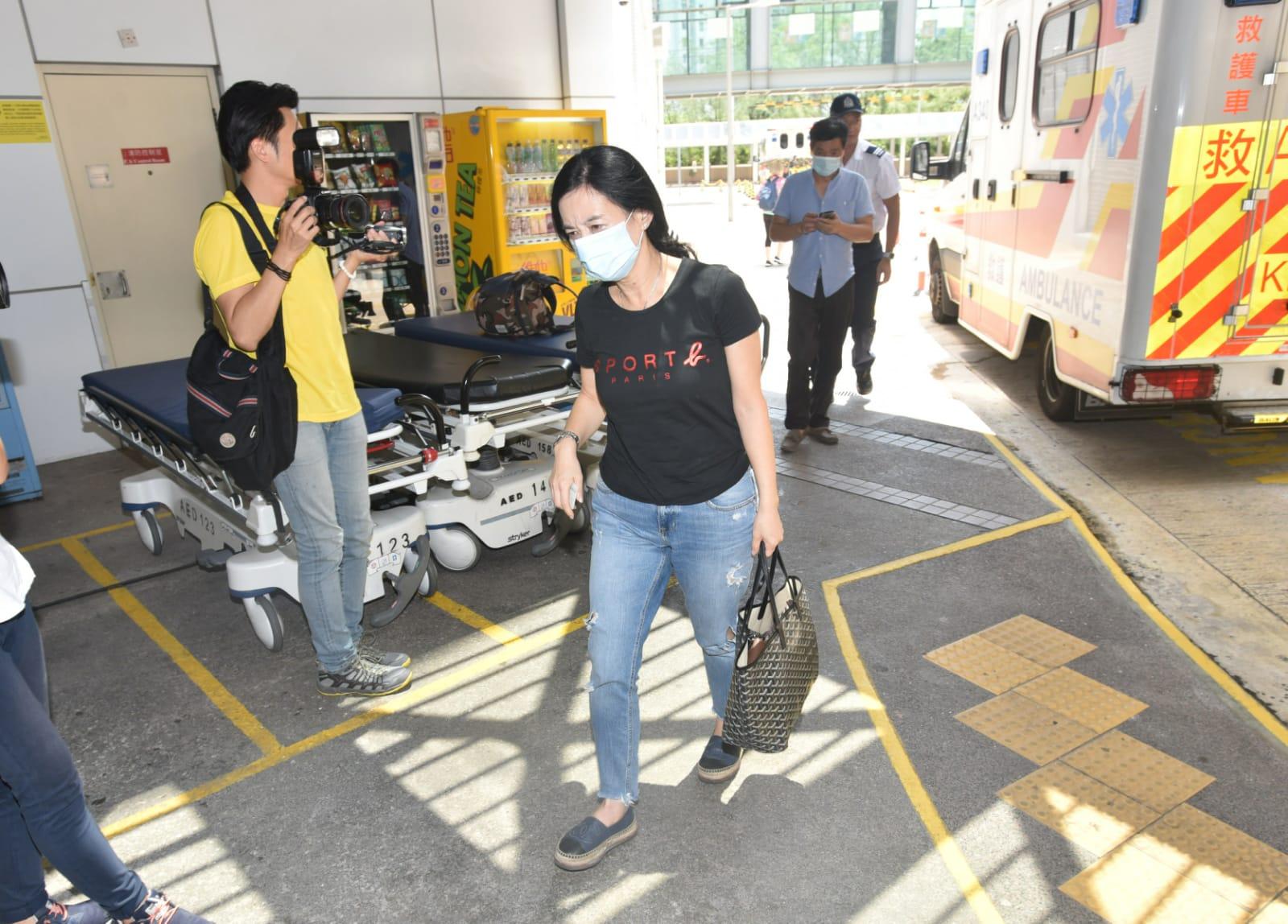 女子沒有受傷,送院檢查。