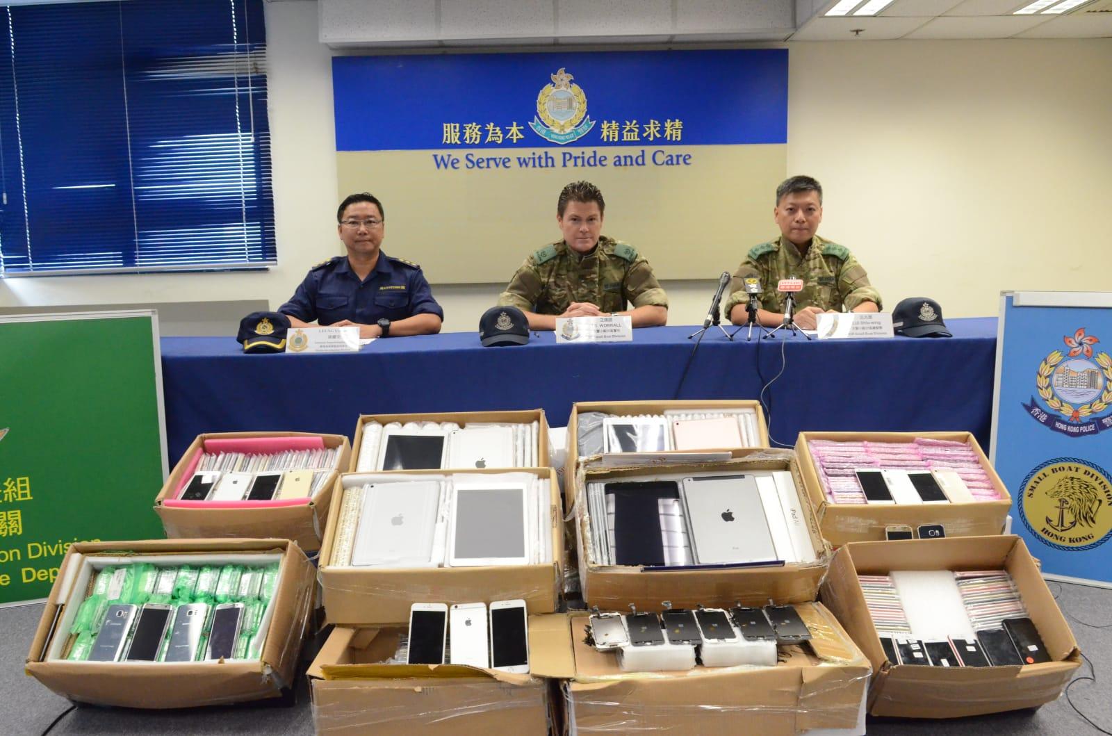 水警及海關檢獲77箱懷疑走私電子產品