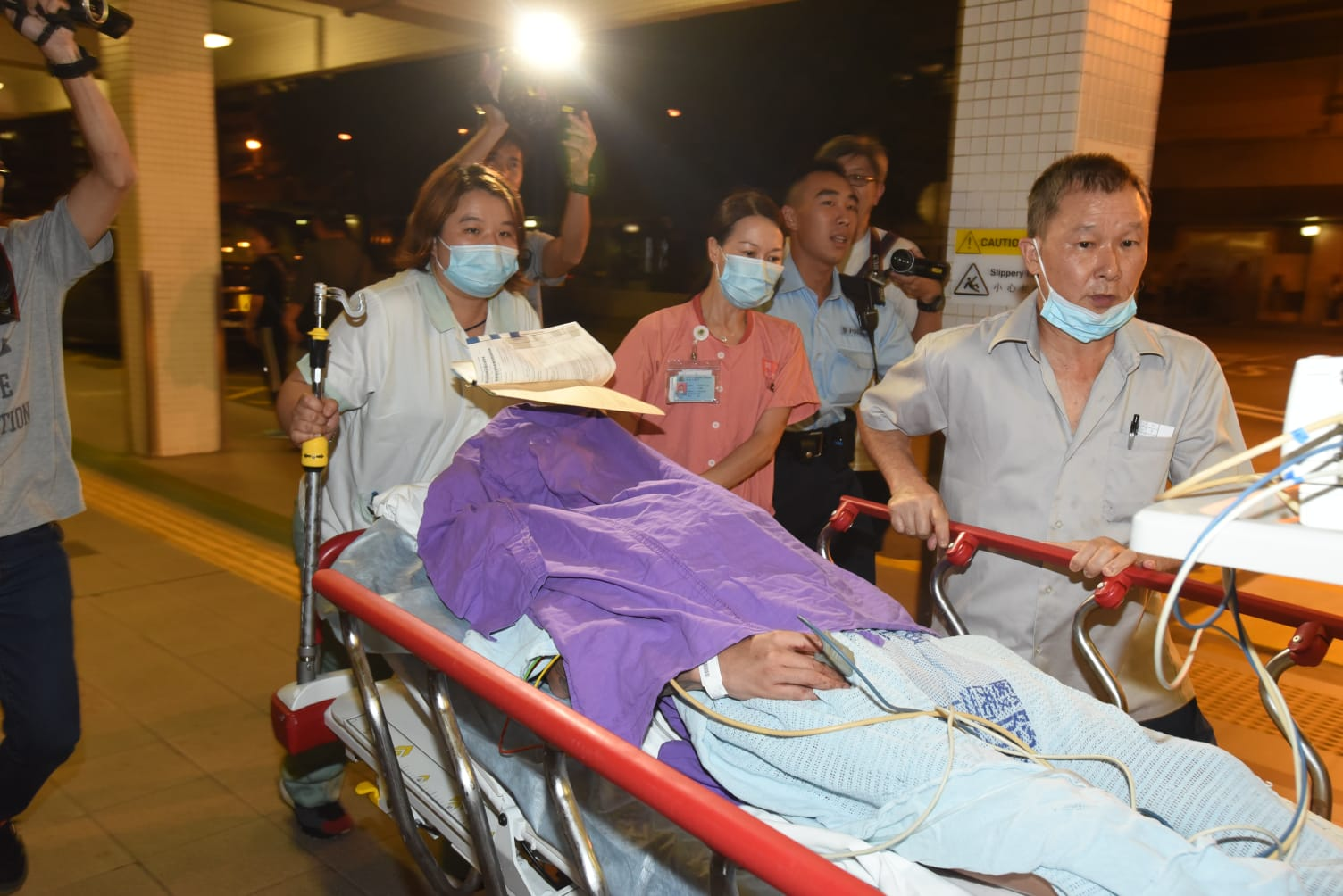 深水埗越南籍男子遭斬傷送院。