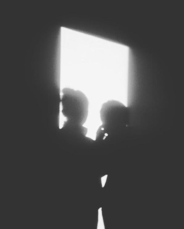 林二汶上載黑白剪影照(ig圖片)