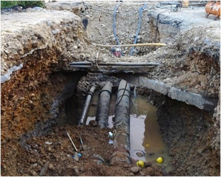3名工人事發時正在地盤改接自來水及消防管線工程。