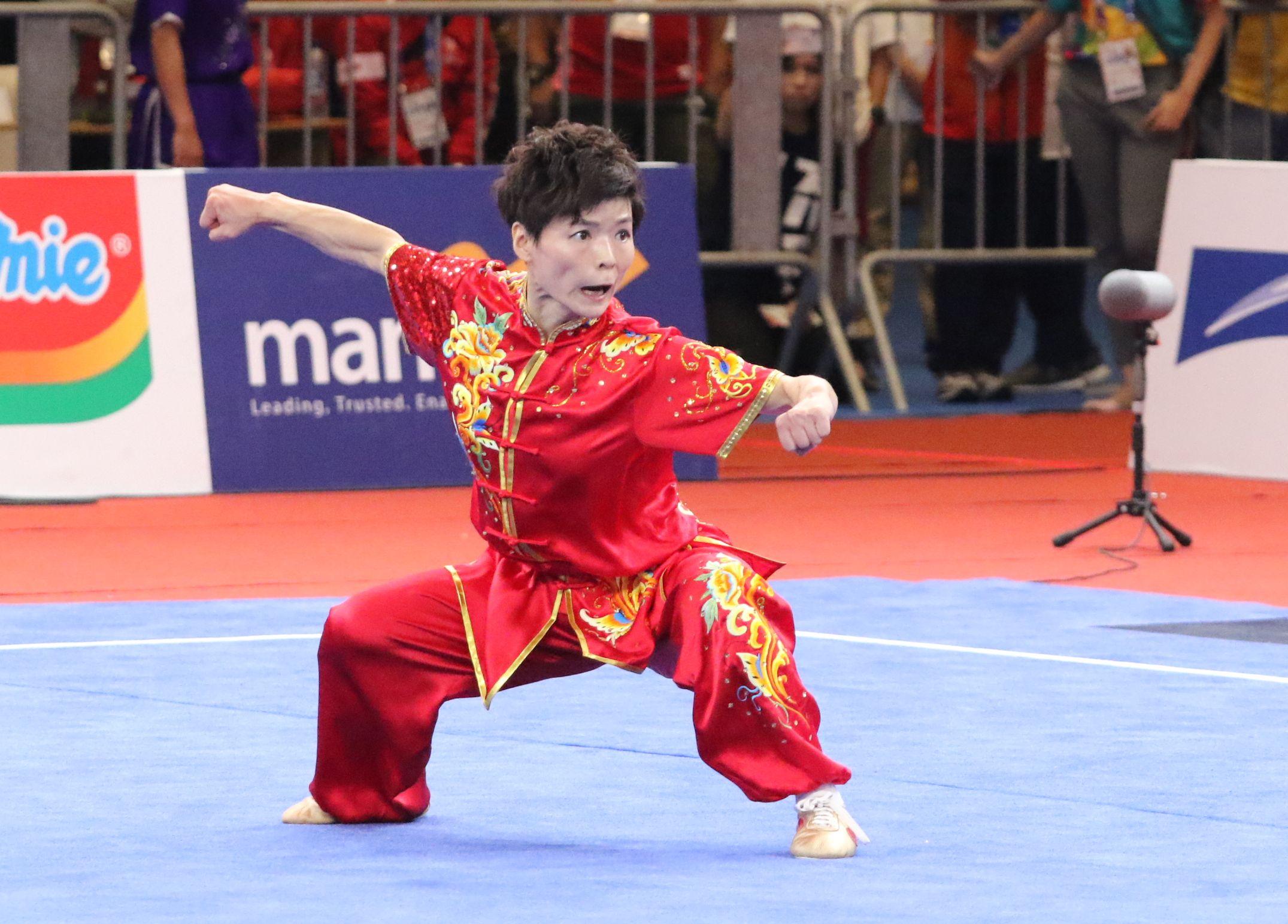耿晓灵在女子长拳项目取得9.62分,只排第5。王嘉豪摄