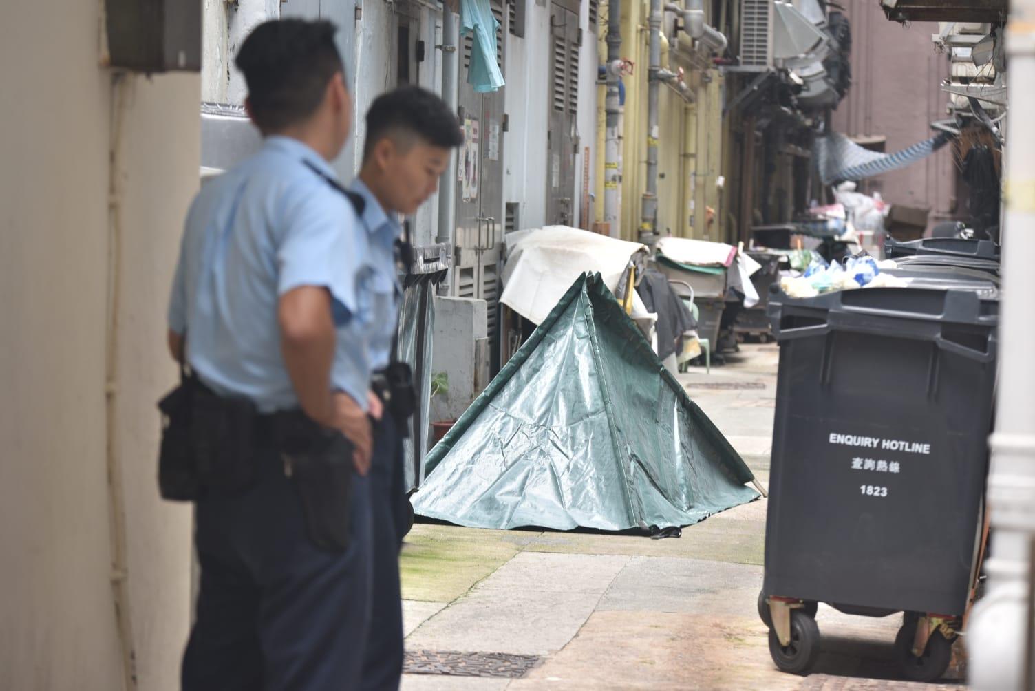 一名78歲老婦由大廈高處墮下死亡。 楊偉亨攝