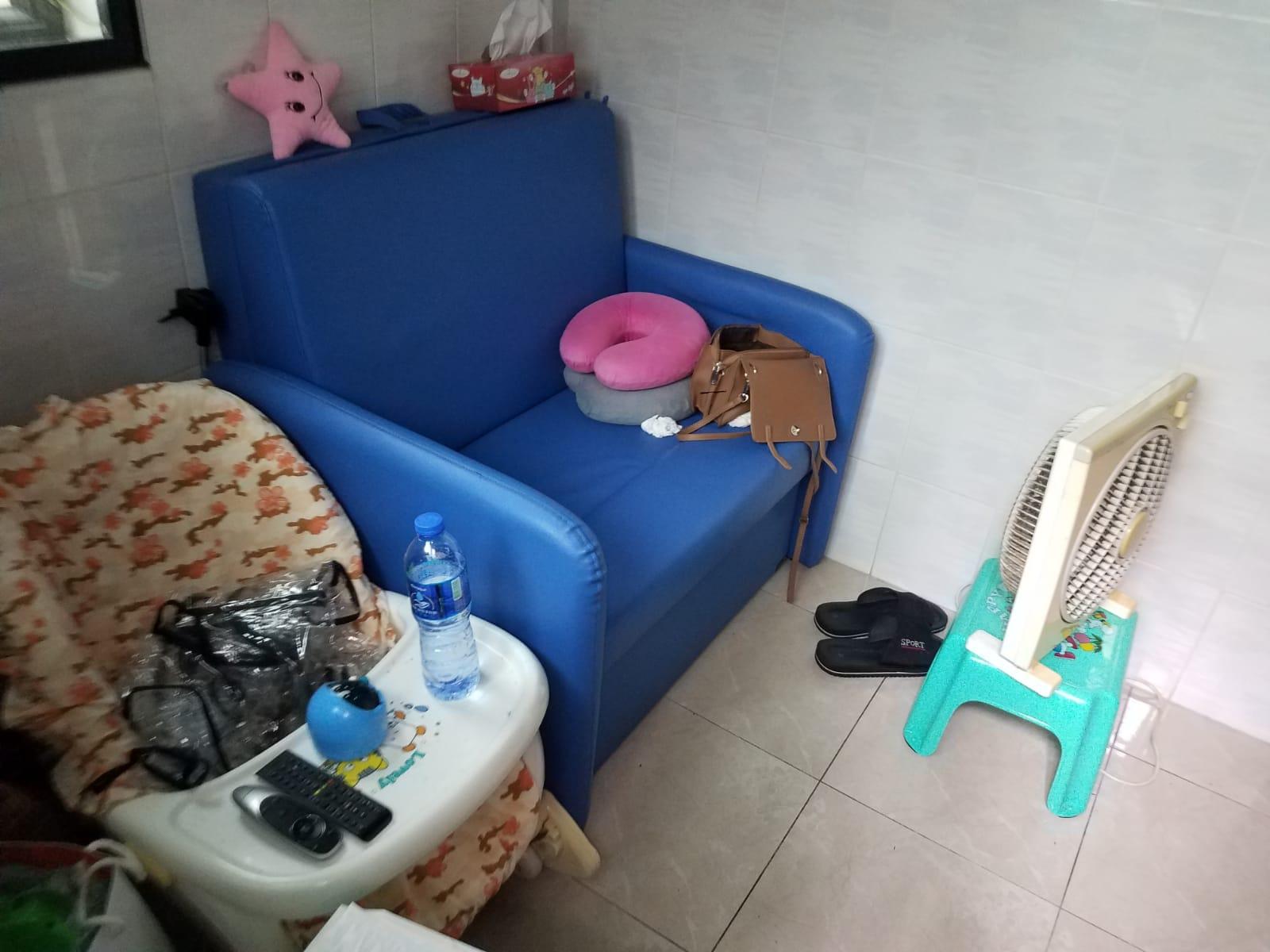 屋內放有的嬰兒椅。